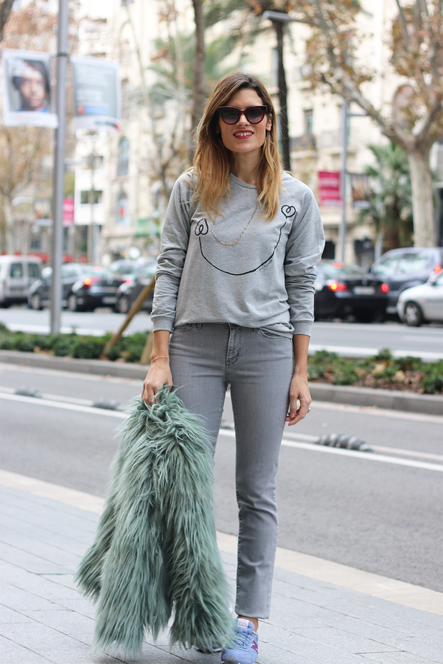 a-bicyclette-sweater_look-gris_silviaboschblog_winter-street-style