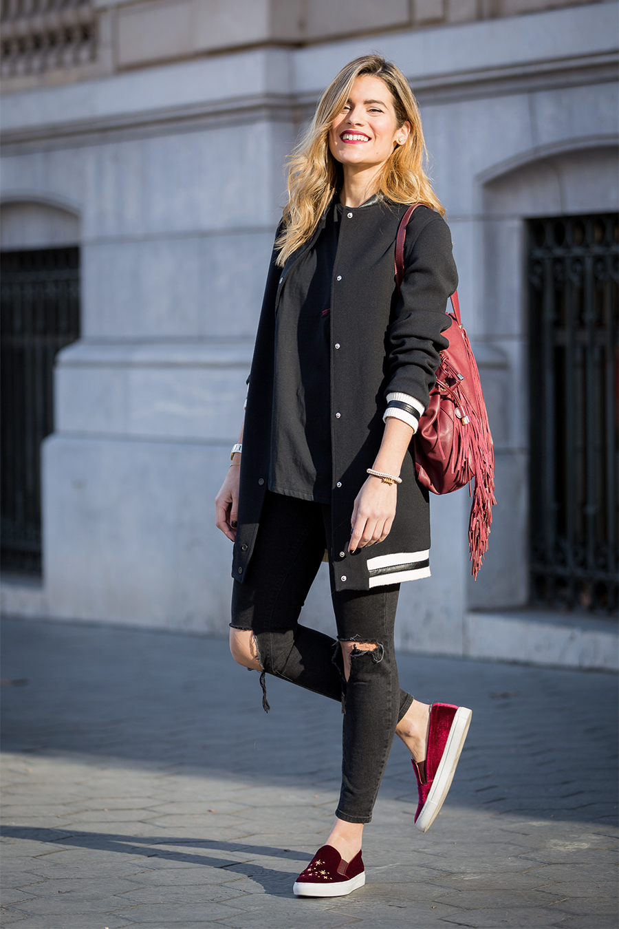 Del-toro-shoes-outfit_blac-outfit_Barcelona-street-style_casual-friday