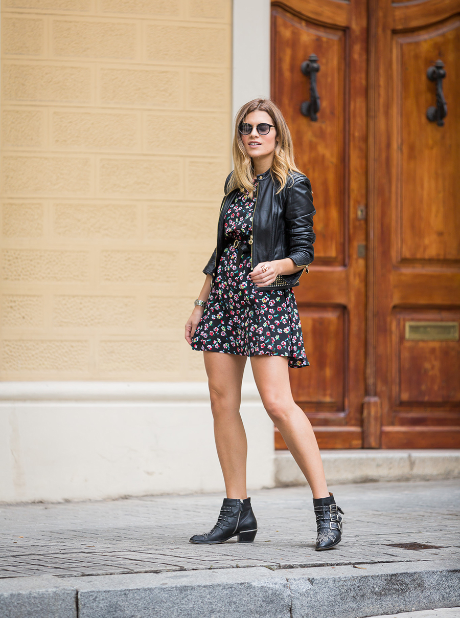 silviaboschblog-dress-with-boots-and-dkny-watch