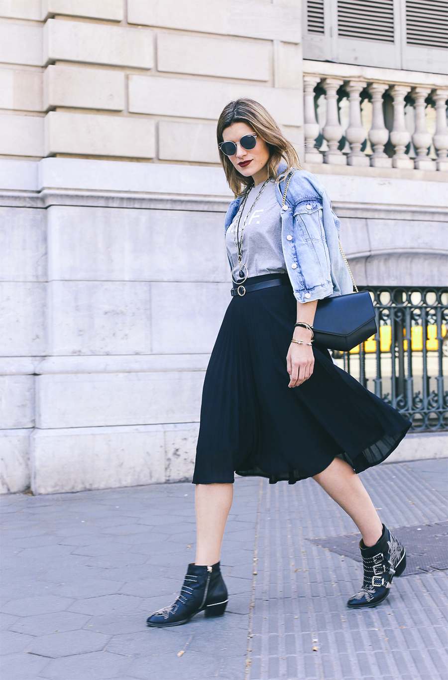 spring-outfit-idea-with-midi-skirt-and-chloe-boots-silviaboschblog