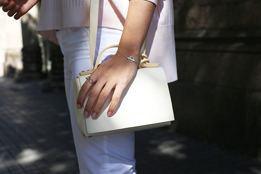 less bore white bag silviaboschblog